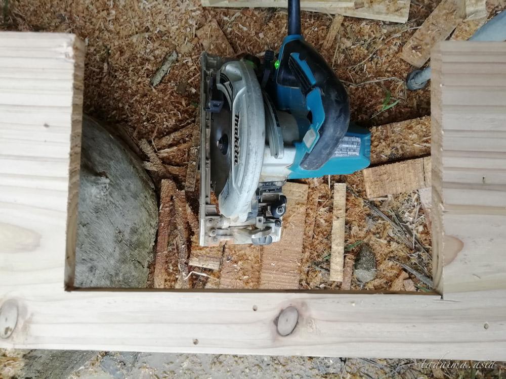 丸ノコ木材加工